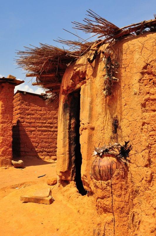 Entrada a la casa del guardián del baobab